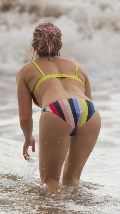 Hilary Duff en un bikini en Mauí en 2016