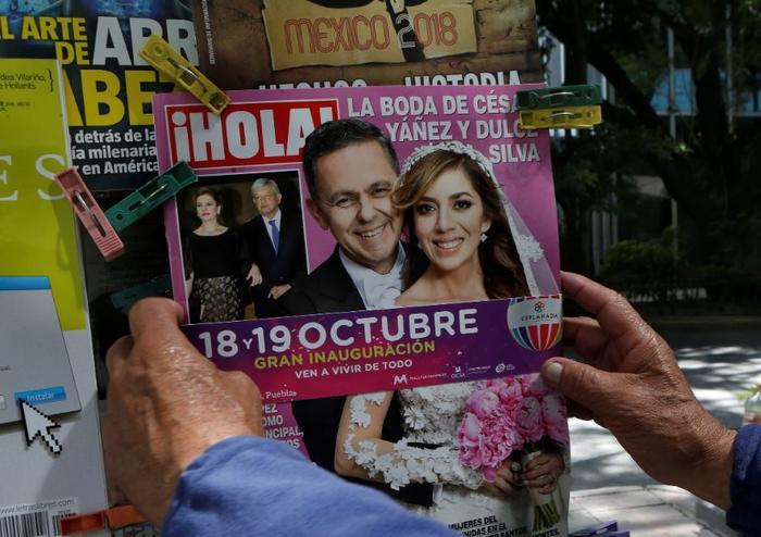 La portada de ¡Hola! de este jueves con el reportaje de la boda de César Yáñez y Dulce María Silva.
