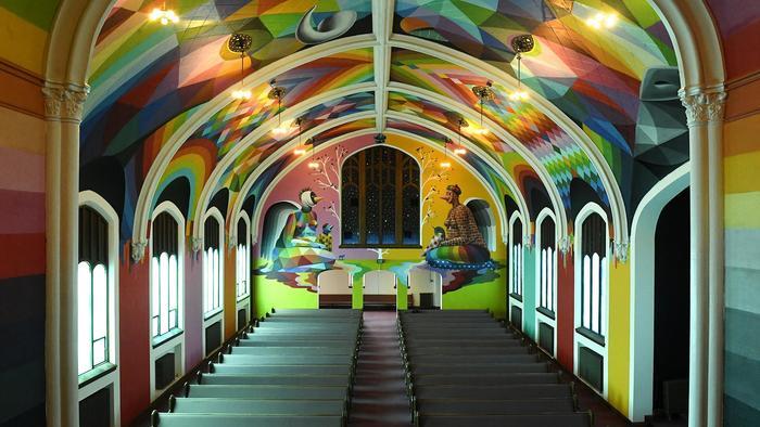 Los alucinantes murales de la Iglesia Internacional de la Cannabis