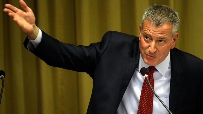 El alcalde de New York, Bill de Blasio, durante una conferencia sobre esclavitud en El Vaticano