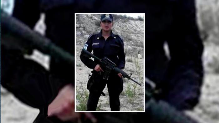 Mujer policia desnuda images 22