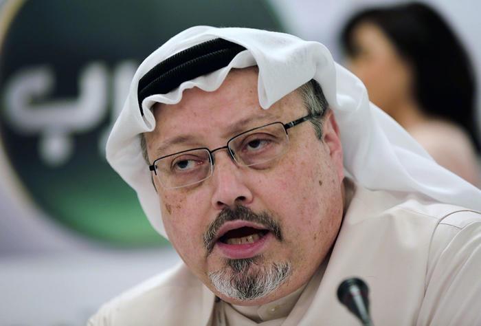 El periodista saudita Jamal Khashoggi durante una participación en una conferencia en Manama, Bahrain.