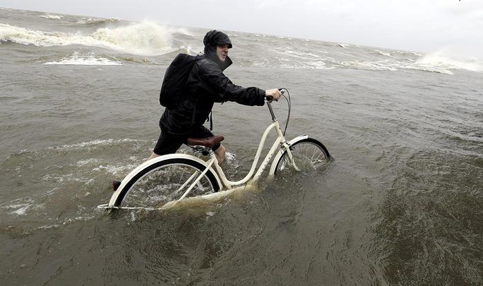La tormenta tropical Barry deja inundaciones en su paso por Louisiana.