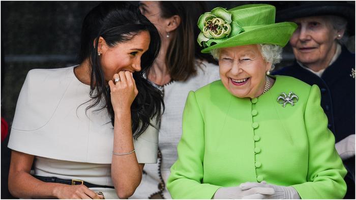 Meghan Markle y la reina Isabel en el nuevo Mersey Gateway Bridge
