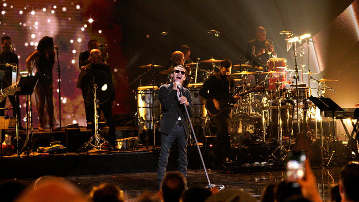 Marc Anthony performs onstage during the 2019 Latin American Music Awards