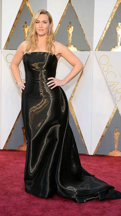 Kate Winslet en la alfombra roja de los Premios Oscar 2016