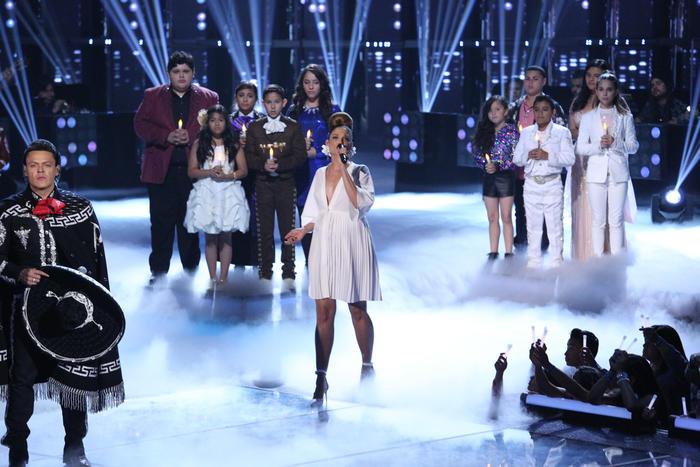 Natalia Jiménez Pedro Fernández Daddy Yankee y los concursantes en la primera noche de la Etapa Final de La Voz Kids