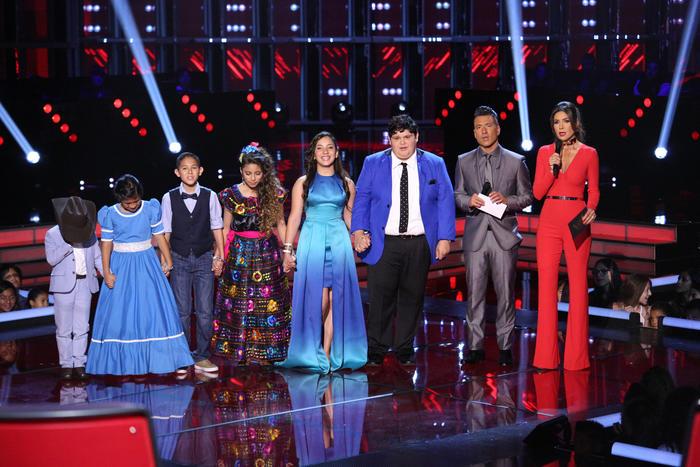 Patricia y Jorge Bernal con el team natalia en la segunda gala de La Voz Kids