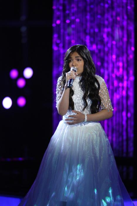 Alejandra en la semifinal de La Voz Kids