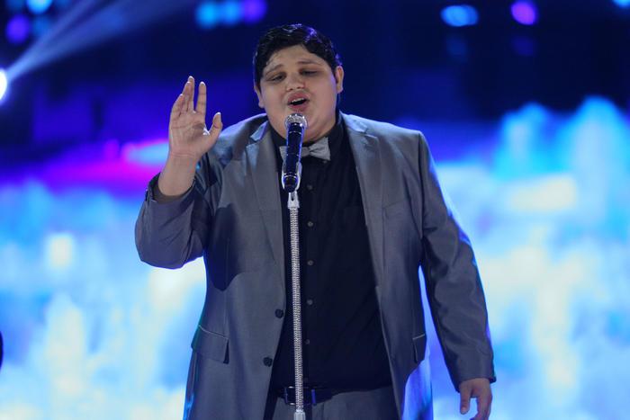 Christopher en la semifinal de La Voz Kids