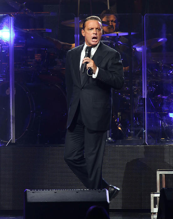 Luis Miguel, cantante