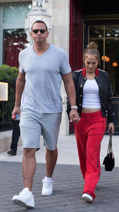 La pareja también fue vista asistiendo a una lección de yoga en St. Tropez.
