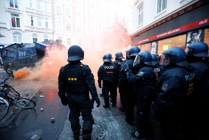 Resultado de imagen para Alemania investigará hechos violentos de Hamburgo