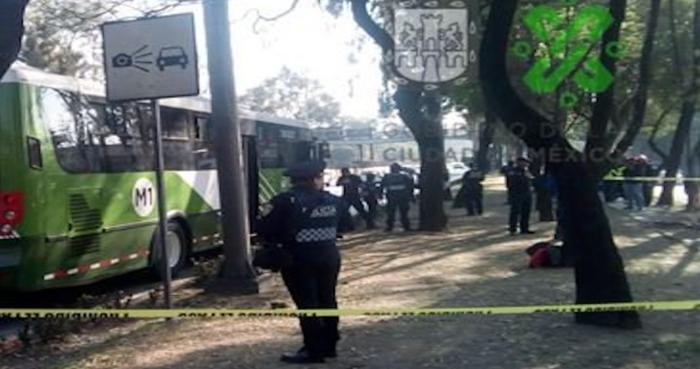 Dos pasajeros son asesinados durante asalto a un camión en la Alcaldía de Iztapalapa, CdMx