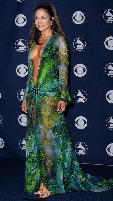 El Icónico Vestido De Jennifer Lopez Está En Medio De Una