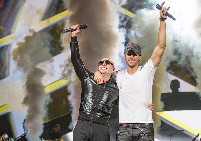 Enrique Iglesias And Pitbull In Concert