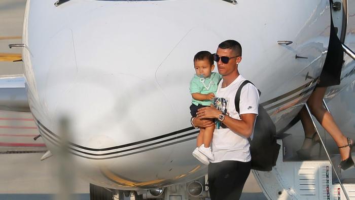 Cristiano Ronaldo y su hijo en Turin