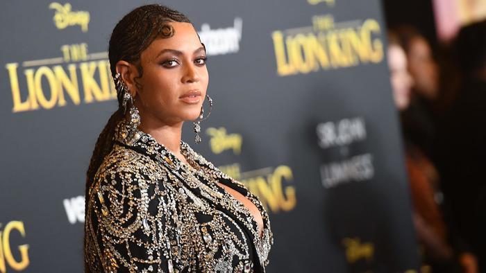 Beyonce en la alfombra roja del estreno de The Lion King en el Dolby theatre