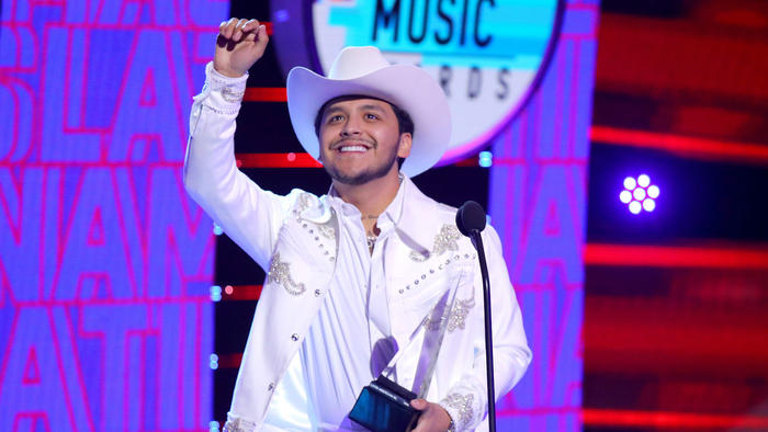 Christian Nodal en los Latin American Music Awards 2019