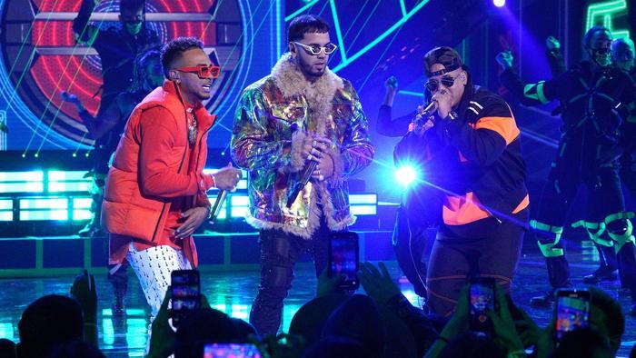 Anuel AA Ozuna Daddy Yankee en los Latin American Music Awards
