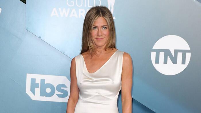 Arremete Jennifer Aniston contra personas que se niegan a usar cubrebocas