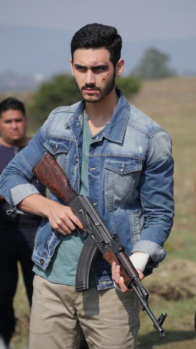 Juan Pablo, furioso, Señora Acero 3 La Coyote
