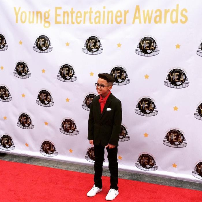 Jonael en la alfombra roja de los Young Entertainer Awards 2016