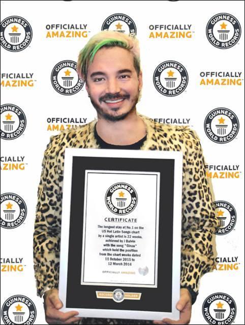 J Balvin recibe récord Guinness 2017