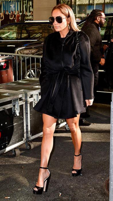 Jennifer Lopez caminando en Nueva York