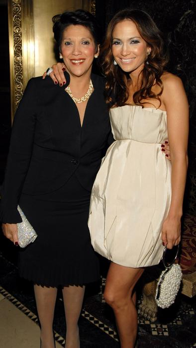 Jennifer Lopez con su mamá