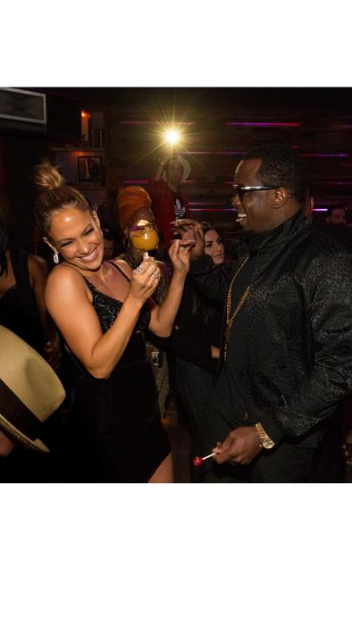 Jennifer Lopez y Diddy en los AMAs 2015