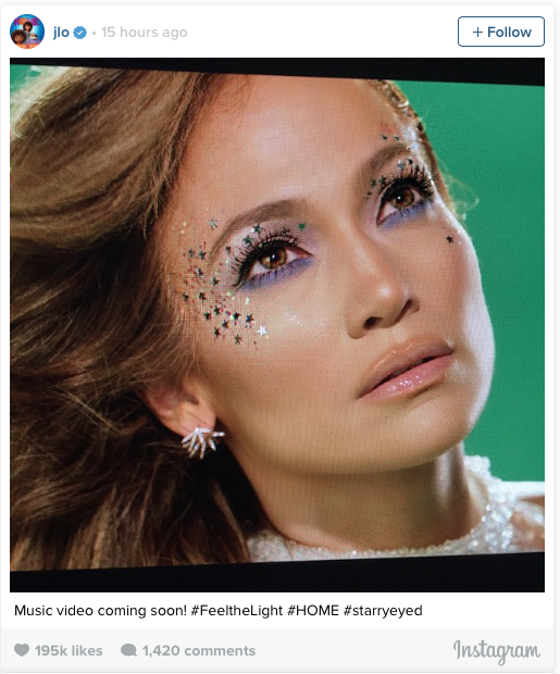 Foto en Instagram de Jennifer Lopez mostrando su maquillaje durante la grabación de su video Feel the Light