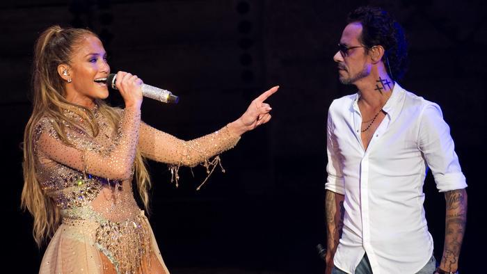 Jennifer Lopez y Marc Anthony cantando en República Dominicana