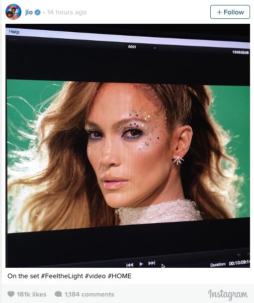 Foto en Instagram de Jennifer Lopez desde el monitor durante la grabación de su video Feel the Light