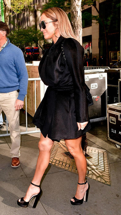 Jennifer Lopez de perfil en las calles de Nueva York