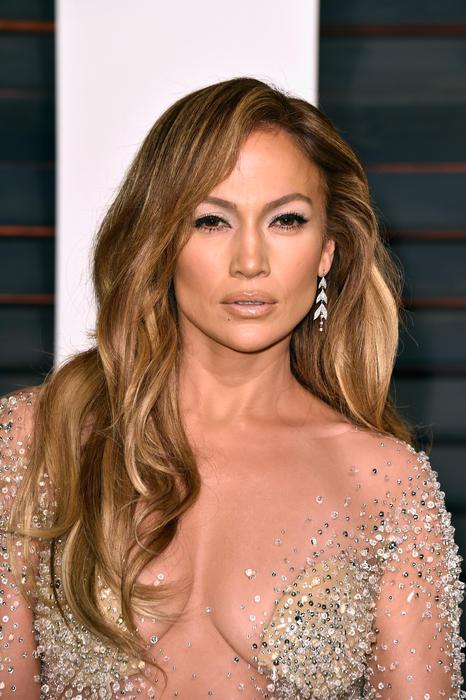 Jennifer Lopez en la fiesta de Vanity Fair para los Premios Oscar 2015.