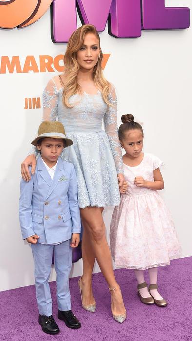 Jennifer Lopez y sus mellizos