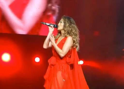 Jennifer Lopez canta durante su gria en el 2012