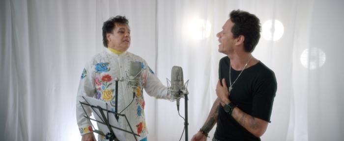 """Juan Gabriel y Marc Anthony cantando """"Yo te recuerdo"""" en el video de ese tema"""