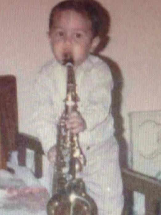 Julión Álvarez foto de pequeño en Instagram
