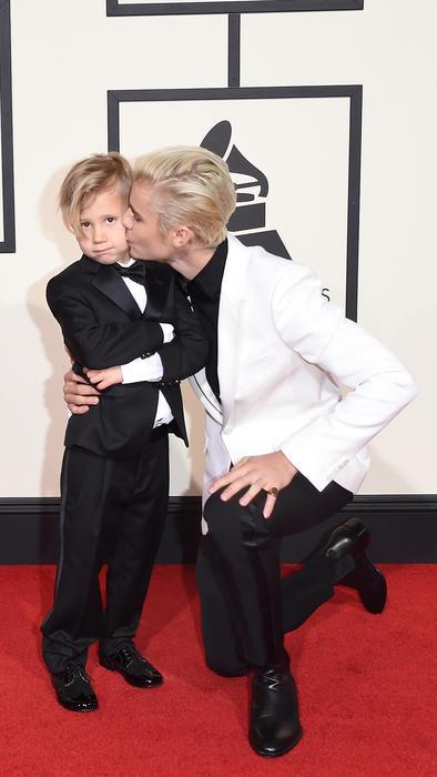 Justin Bieber y su hermano en los premios Grammy 2016