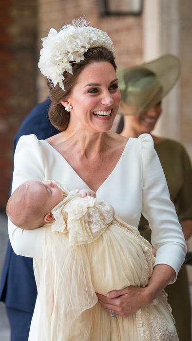 Kate Middleton con el príncipe Louis
