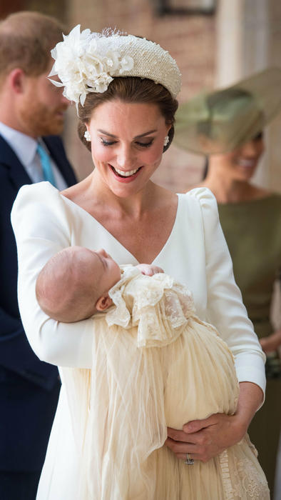 Kate Middleton con el príncipe Louis
