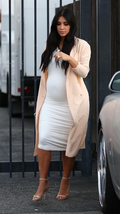 96e783045 vestidos kim kardashian embarazada