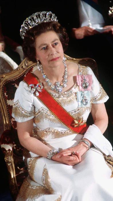 La reina Isabel II durante una gira oficial por el extranjero de Alemania del 22 al 26 de mayo de 1978.