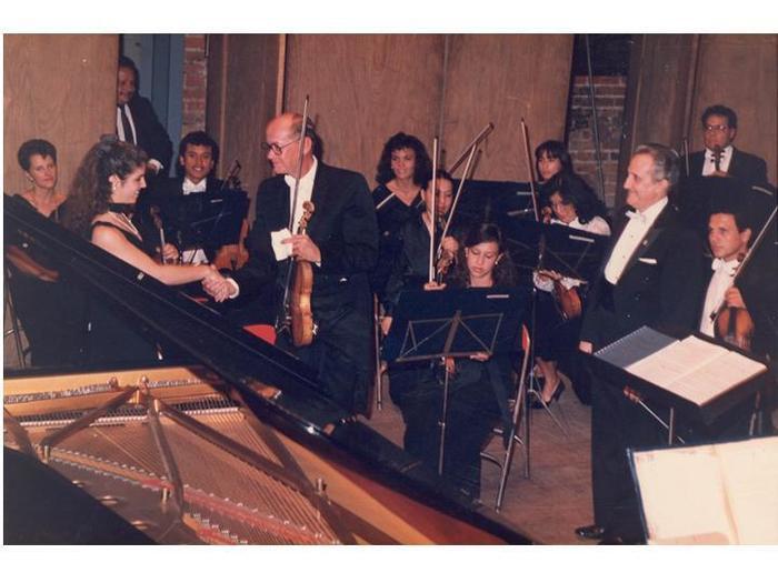 Leila Cobo, concierto de piano con sinfónica