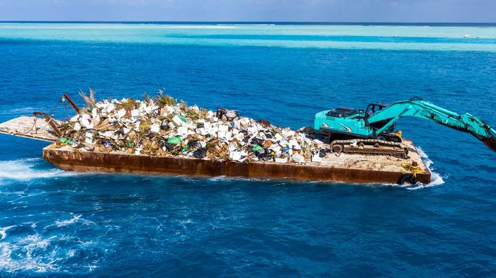 Máquinas limpiando los océanos de basura