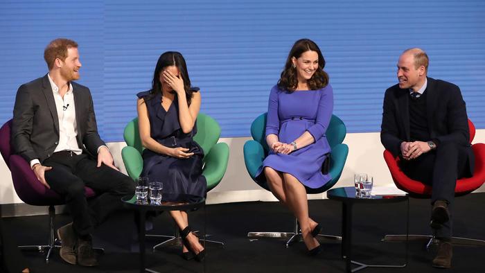 Los príncipes Harry y William con Kate Middleton y Meghan Markle