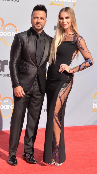 Luis Fonsi con Águeda López en los Premios Billboard 2018