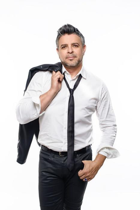 Luis Enrique con corbata negra